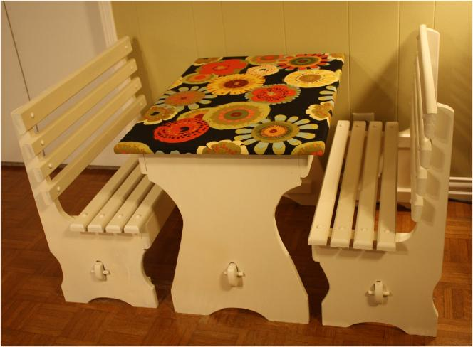 Kids table and benches - the perfect 'tablecloth