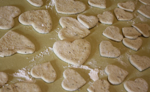 Herb bread hearts