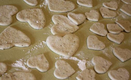Herb bread hearts