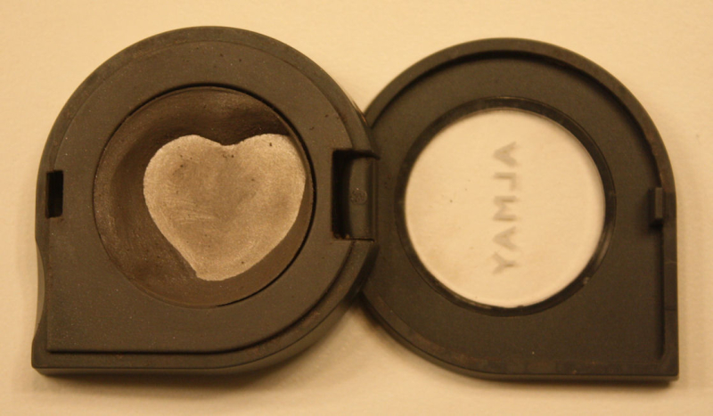 Eye shadow heart